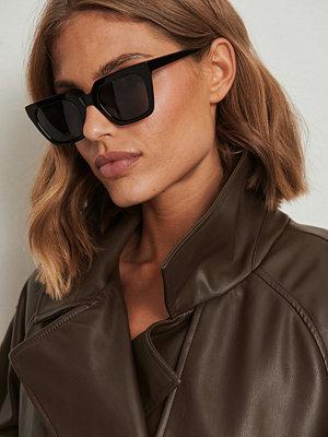 NA-KD Accessories Solglasögon med fyrkantiga acetatbågar svart