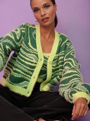 NA-KD Trend Luddig stickad croppad tröja multicolor