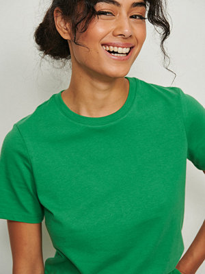 NA-KD Basic T-Shirt I Ekologisk Bomull Med Rund Hals grön