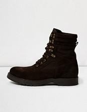 Boots & kängor - River Island Dark brown suede combat boots