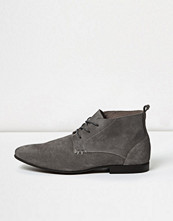 Boots & kängor - River Island Grey suede lace-up boots