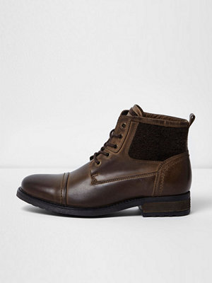 Boots & kängor - River Island Dark brown leather borg military boots