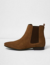 Boots & kängor - River Island Medium brown suede Chelsea boots
