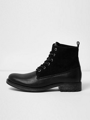 Boots & kängor - River Island Black leather panel borg lined boots