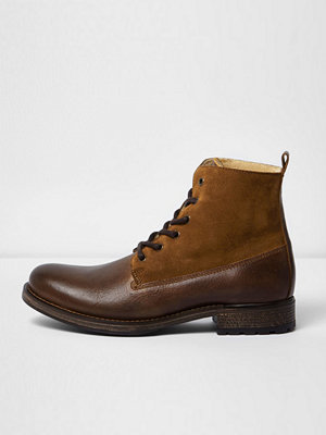 Boots & kängor - River Island Brown leather panel borg lined boots