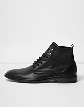 Boots & kängor - River Island Black washed leather boots