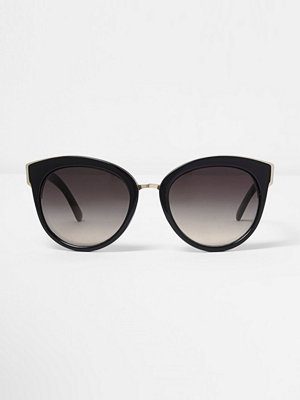 Solglasögon - River Island Black cat eye sunglasses
