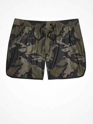 Badkläder - River Island Dark Green camo print short swim shorts