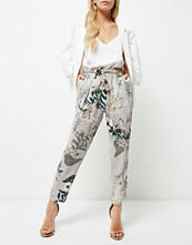 River Island Petite grey floral print tapered trousers