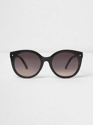 Solglasögon - River Island Black cat eye smoke lens sunglasses