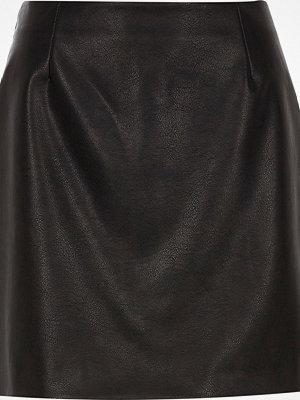 River Island Black faux leather mini skirt