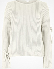 Tröjor - River Island Cream tie long sleeve knit jumper