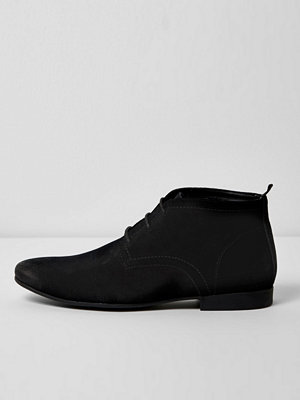 Boots & kängor - River Island Black suede chukka boots