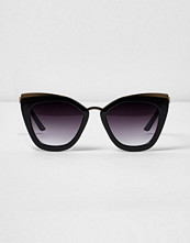River Island Black oversized smoke lens sunglasses