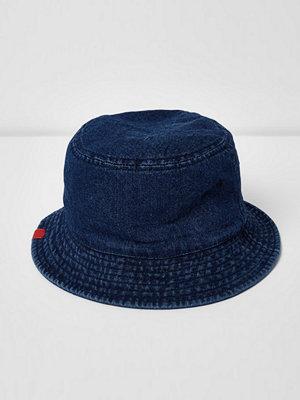 Mössor - River Island Blue denim bucket hat