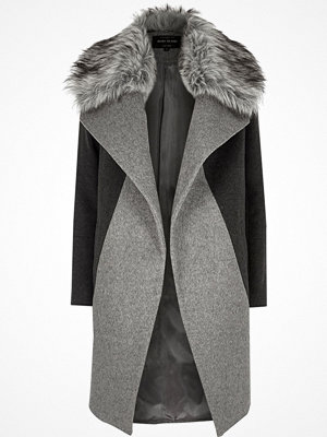 Kappor - River Island Grey faux fur collar coat