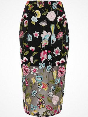 Kjolar - River Island Black floral embroidered midi pencil skirt
