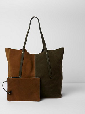 Handväskor - River Island Khaki and brown suede winged tote bag