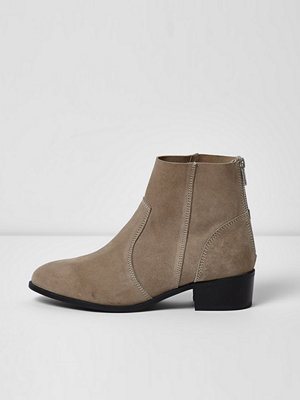 Boots & kängor - River Island Grey suede ankle boots