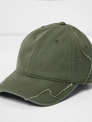 Mössor - River Island Green distressed baseball cap