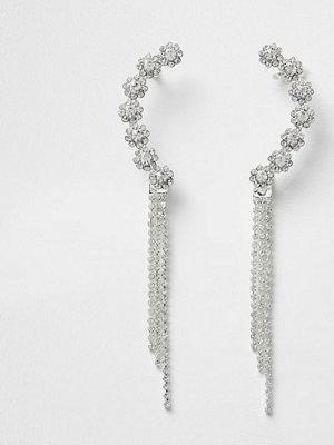 Smycken - River Island Silver tone diamante dangle cuff earrings
