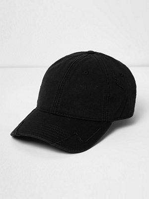 Mössor - River Island Black distressed baseball cap