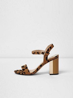 Sandaler & sandaletter - River Island Beige leopard block heel barely there sandals