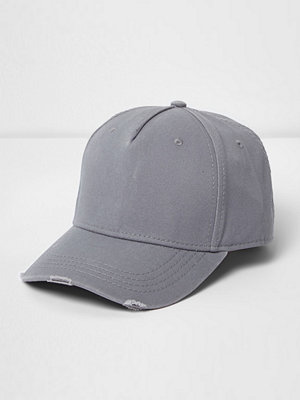 Mössor - River Island Grey distressed baseball cap