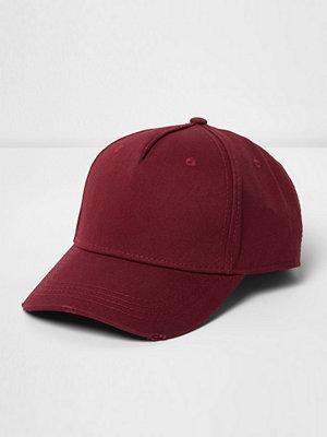 Mössor - River Island Red distressed baseball cap