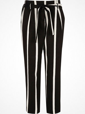 River Island svarta randiga byxor Black stripe print tie waist tapered trousers