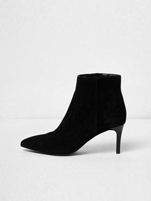 Boots & kängor - River Island Black suede kitten heel boots