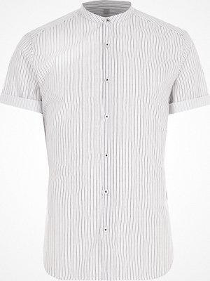 Skjortor - River Island Cream stripe slim fit grandad shirt