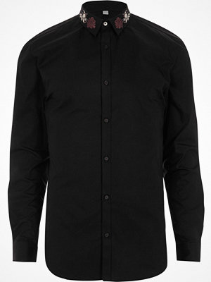 Skjortor - River Island Black embroidered collar muscle fit shirt