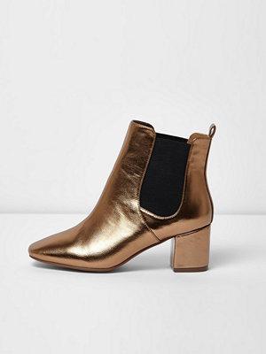 Boots & kängor - River Island Bronze block heel wide fit Chelsea boots