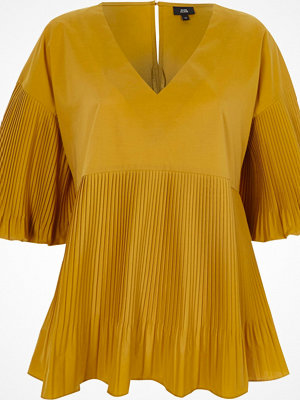 Blusar - River Island Dark yellow pleated V neck puff sleeve top