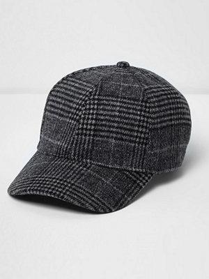 Mössor - River Island Grey check baseball cap