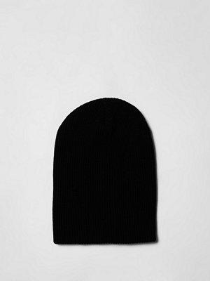 Mössor - River Island Black slouch back beanie hat