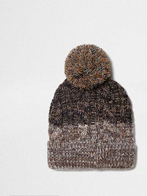 Mössor - River Island Light Brown cable knit bobble beanie hat