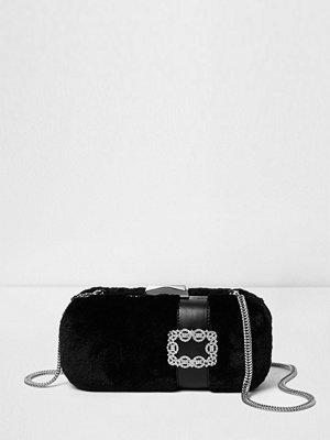 River Island svart kuvertväska River Island Womens Black faux fur box jewel clutch bag
