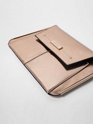 River Island omönstrad kuvertväska Rose Gold metallic bar side clutch bag