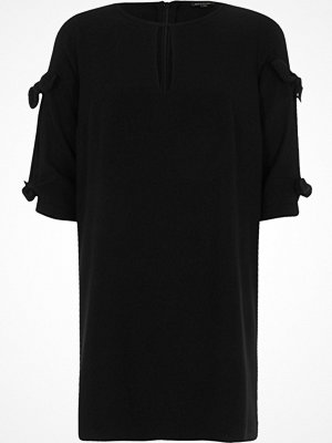 River Island Black bow sleeve shift dress