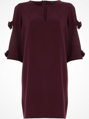 River Island Burgundy bow sleeve shift dress