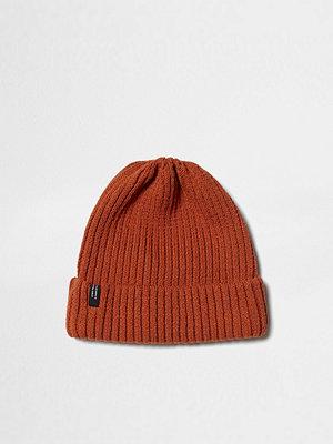 Mössor - River Island Dark Orange ribbed knit beanie hat