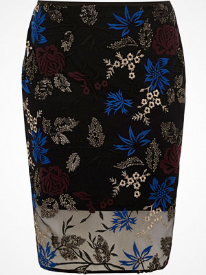 River Island Plus Black floral embroidered pencil skirt