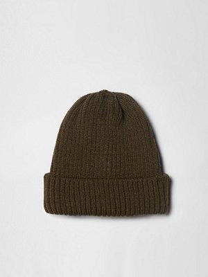 Mössor - River Island Khaki green rib knit fisherman beanie hat