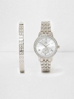 Klockor - River Island River Island Womens Silver tone watch and bracelet set