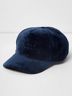 Mössor - River Island Blue velvet baseball cap
