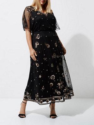 River Island Plus Black floral embellished maxi dress