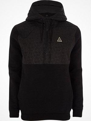 Street & luvtröjor - River Island River Island Mens Black geo print block hybrid hoodie