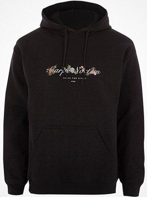 Street & luvtröjor - River Island River Island Mens Black 'carpe noctem' floral print hoodie